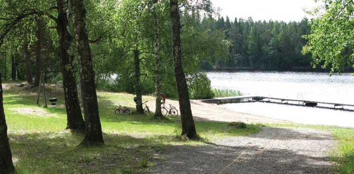 Badplatsen vid Talljöbadet i Hälleforsnäs