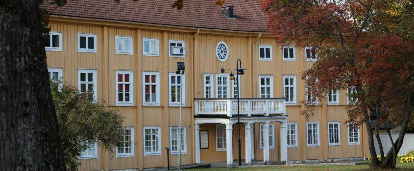 Bild på stadhuset i Malmköping