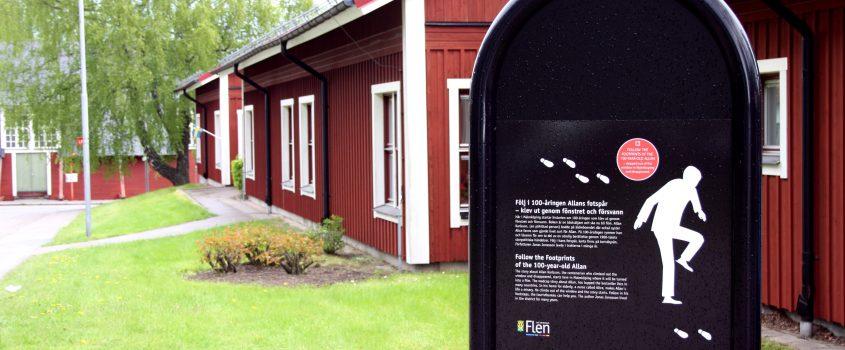 Skylt om 100-åringen utanför korttidsboendet Heden i Malmköping