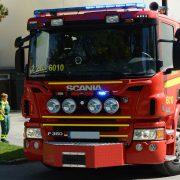 Brandbil och två ambulanspersonal