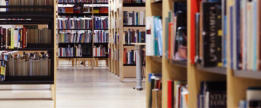 Bibliotekshyllor