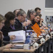 Politiker på rad under kommunfullmäktiges sammanträde