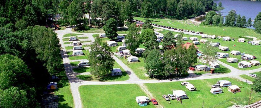 Flygfoto över campingen i Malmköping