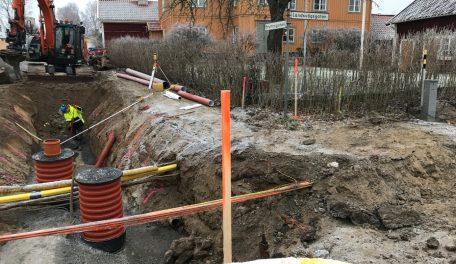 Ombyggnationen vid Landsvägsgatan i Malmköping. På bilden mer specifikt korsningen Brunnsgatan/Landsvägsgatan. Foto: Sörmland Vatten