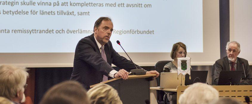 KF 27 mars 2018, i talarstolen Anders Berglöv, kommunstyrelsens ordförande.