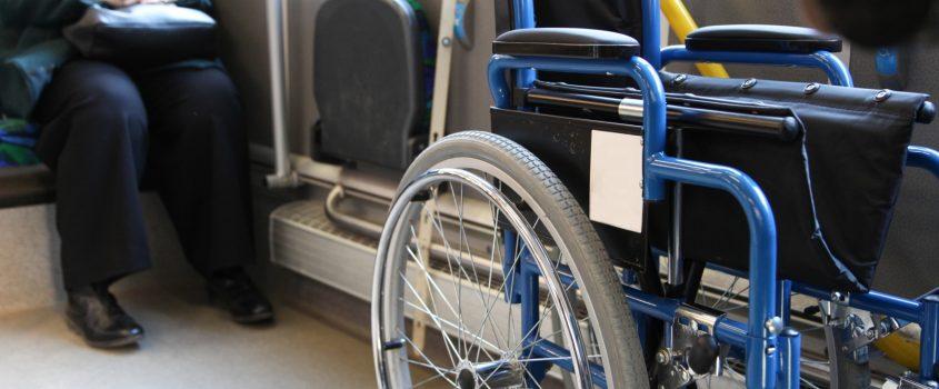 Rullstol på buss.