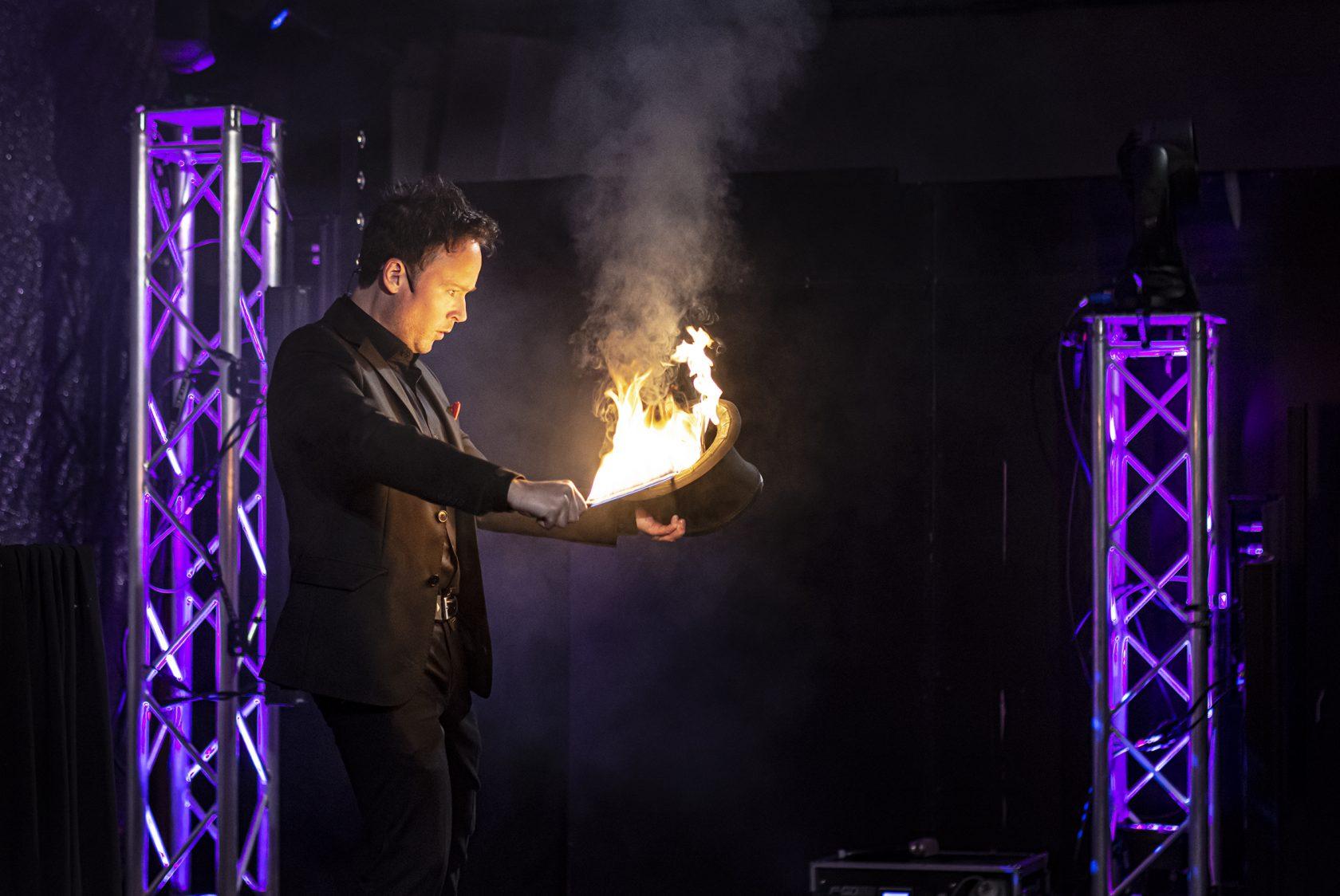 Daniel Kane stod för underhållningen. Foto: Magnus Ornhammar/Flens kommun